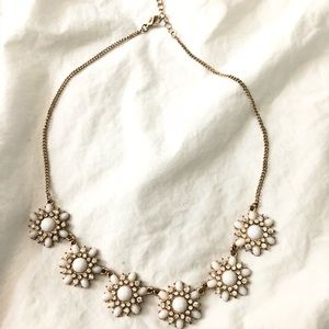 Statement necklace. 💎 old navy